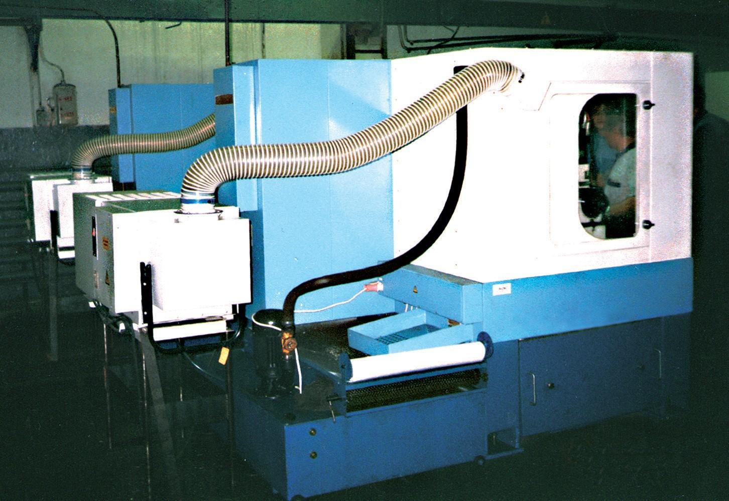 Электростатические фильтры ЭФВА-МС-ЭЛСТАТ – для очистки воздуха от туманов масел и эмульсий на основе масел (содержание масел не менее 5%) и дымов, образующихся при горении масел. Самоочищающиеся; с фильтрующими ионизационными и осадительными кассетами из алюминия, регенерируемыми промывкой водой. С пультом управления, системой сигнализации. Передвижные и стационарные.